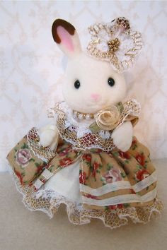 sylvanian families, what a beautyful dress for the cute bunny:D