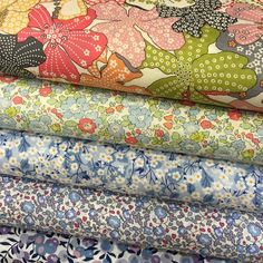 Mercerie Paris, Fabric Patterns, Print Patterns, Sewing Crafts, Sewing Projects, Heart Shaped Cakes, Calico Fabric, Craft Shop, Modern Fabric