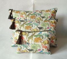 MITSI   CIE Trio de pochettes en tissu Liberty Queue for the zoo kaki ecb94a51921