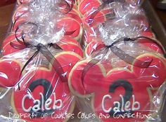 Items similar to Mickey Mouse Inspired Custom Sugar Cookie Favors (One Dozen) on Etsy Mickey Mouse Cookies, Disney Cookies, Mickey Minnie Mouse, Cookies For Kids, Cute Cookies, Sugar Cookies, Mickey Mouse Clubhouse Party, Mickey Party, Kids Cooking Party