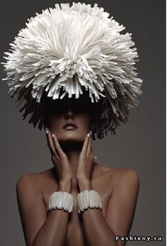Бумажное платье, бумажная мода / вещи из бумаги