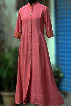 Buy Maati Crafts Pink Cotton Solid Shirt Style Anarkali Kurti online in India at best price.a front button down shirt dress in mandarin collar & wooden buttons! the khadi fabric is extremely soft Kurta Designs Women, Salwar Designs, Kurti Designs Party Wear, Blouse Designs, Khadi Kurta, Churidar, Anarkali Kurti Cotton, I Dress, Shirt Dress