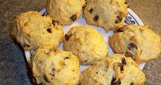Recette: Biscuits Moelleux aux Bananes et Pépites de Chocolat - Circulaire en ligne Biscuit Cake, Biscuit Cookies, Biscuits Brownies, Baking Recipes, Cookie Recipes, Desserts With Biscuits, Dessert Biscuits, Muffin Bread, Scones