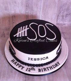 5 Seconds of Summer Cake