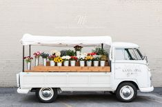Renovated Volkswagen Truck – Sand and Soil Flower Truck Co. Even if the topography of your backyard snakes into a steep slope, you can reshape this… - Dinnerrecipeshealthy sites Vw Bus, Volkswagen, Flower Truck, Flower Cart, Farm Stand, Truck Design, Flower Stands, Shop Interiors, Flower Arrangements