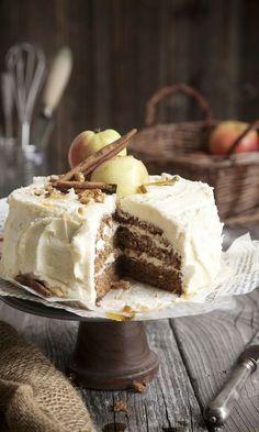 Omenatäytekakku   Maku Confectionery, Yummy Cakes, Deli, Tiramisu, Bakery, Goodies, Dessert Recipes, Food And Drink, Pie