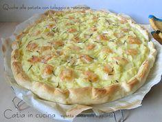 Una quiche alle patate, con aggiunta di formaggio e poco altro, spesso risolve il nostro pranzo o la nostra cena. Succede anche da voi? Quando lavoro fino a