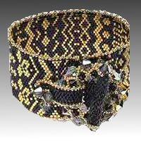Bead Bracelet Black Gold Needs translation Free pdf download (for members)