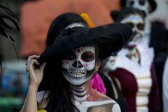 México rompe Récord Guinness de Catrinas en su Día de Muertos - Univision Noticias-30 fotos preciosas.