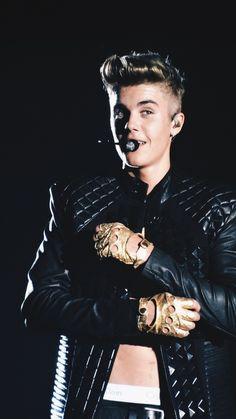 Image shared by -. Find images and videos about justin bieber and believe tour on We Heart It - the app to get lost in what you love. Justin Bieber Believe, Justin Bieber Style, Justin Bieber Pictures, Justin Photos, Justin Bieber Lockscreen, Justin Bieber Wallpaper, Believe Tour, Ariana Grande Fotos, Bae