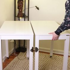 This DIY Convertible Desk/Dining Table Is Perfect For People.- This DIY Convertible Desk/Dining Table Is Perfect For People With Small Apartments Convertible Desk Dining Table - Home Projects, Home Crafts, Diy Home Decor, Room Decor, Diy Crafts, Diy Casa, Small Apartments, Home Organization, Office Storage
