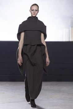 Rick Owens Ready To Wear Fall Winter 2015 Paris - NOWFASHION