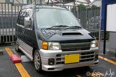 Daihatsu Move 1995- ユニークなスタイリングで登場したダイハツ ムーヴ - BEAUTIFUL CARS OF THE '60s +1 Kei Car, Daihatsu, Madness, Japanese, Cars, Beautiful, Japanese Language, Autos, Car
