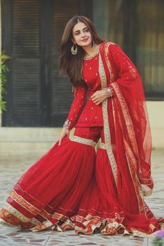 Party Wear Indian Dresses, Pakistani Fashion Party Wear, Designer Party Wear Dresses, Indian Gowns Dresses, Indian Fashion Dresses, Pakistani Bridal Dresses, Dress Indian Style, Pakistani Dress Design, Indian Wedding Outfits