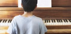 """Science Just Discovered Something Amazing About What Childhood Piano Lessons Did to You - Mic- """"Musical training doesn't just affect your musical ability — it provides tremendous benefits to children's emotional and behavioral maturation. Singing Lessons, Singing Tips, Learn Singing, Piano Lessons, Music Lessons, Music And The Brain, Piano Teaching, Learning Piano, Music Education"""