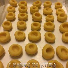 Biscotti morbidissimi ripieni di marmellata
