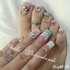 Bling nails and pedi. Love this nail art. Colorful Nail Designs, Toe Nail Designs, Beautiful Nail Designs, Beautiful Nail Art, Gorgeous Nails, Pretty Nails, Pedicure Nail Art, Toe Nail Art, Mani Pedi