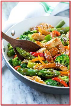 This delicious Healthy Teriyaki Chicken Stir Fry recipe is prepared with Chicken and vegetables stir-fried and then coated in a homemade teriyaki sauce. Vegan Stir Fry, Healthy Stir Fry, Sauce For Chicken, Chicken Stir Fry, Recipe Chicken, Cashew Chicken, Teriyaki Chicken, Teriyaki Sauce, Healthy Chicken Recipes