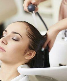 25 tips on how to never have a bad hair day again. My Hairstyle, Hairstyles, Smooth Hair, Bad Hair Day, Hair Care Tips, Fall Hair, Gorgeous Hair, Hair Loss, Social Media Tips