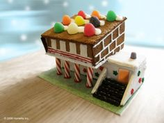GINGERBREAD HOUSE~modern gingerbread house