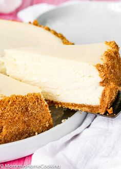 This recipe makes the BEST Eggless Cheesecake you will ever try! It's wonderfully creamy and silky, and it's also one of the easiest to make! A delicious and melt-in-your-mouth classic dessert that will leave everyone asking for seconds! Eggless Cheesecake Recipe, Eggless Desserts, Eggless Recipes, Eggless Baking, Easy Cheesecake Recipes, Delicious Desserts, Dessert Recipes, Vegan Desserts, Egg Free Cakes