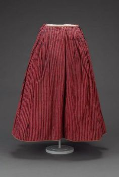 Petticoat - French or English, late century Wool with Wool twill tape hem binding and ties MFA Boston 18th Century Dress, 18th Century Costume, 18th Century Clothing, Antique Clothing, Historical Clothing, Vintage Outfits, Vintage Fashion, Rococo Fashion, Civil War Dress