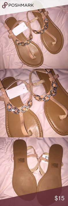 Cute Tan Sandals NWT size 7 and super cute! icing Shoes Sandals