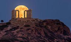 Supermoon at the Temple of Poseidon