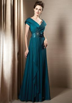 LOVE THE NECKLINE AND THE DRAPING...SO GORGE.