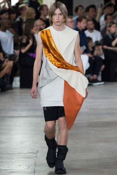 Rick Owens - Spring 2016 Menswear - Look 34 of 41?url=http://www.style.com/slideshows/fashion-shows/spring-2016-menswear/rick-owens/collection/34