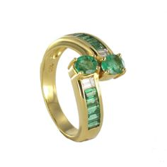 """El nombre de la #esmeralda procede del persa y significa """"piedra verde"""" #piedrapreciosa #joyeríabarcelona #ZapataJoyeros"""