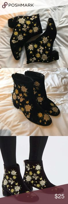 Topshop Floral Booties Floral booties from Topshop. Size 39, which is a US 8.5. My feet are usually 8-8.5 and these fit perfectly. They're in great condition. The bottom is a little scuffed, which no one will see, and there's a slight discoloration on one of the boots, pictured above. It's impossible to notice when walking around, though.  Fast shipping always! Topshop Shoes Ankle Boots & Booties