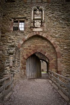 Drawbridge- Ludlow Castle, England...wonder if we can fit this kind of entrance in....;p