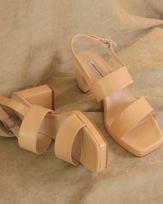 Beige sandals for this weekend is part of Sock shoes - Sock Shoes, Cute Shoes, Me Too Shoes, Look Fashion, Fashion Shoes, Womens Fashion, Fashion Outfits, Beige Sandals, Beige Pumps