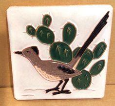Tile Mckusick Gila Road Runner with Cactus Vintage, Arizona Southwest, Bird Renaissance Festival Costumes, Polymer Clay Painting, Glass Cactus, Tile Art, Tiles, Cartoon Birds, Native American Design, Southwest Decor, Vintage Tile