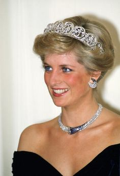 Diana, Princess of Wales wears a sapphire and diamond necklace, which was a gift from the Sultan of Oman