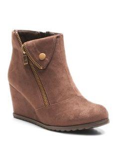 2 Lips Too Brown Too Nine Boot