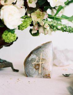 Pedras / geodos na decoração do casamento - decoração natural, estilo boêmio / boho decor wedding