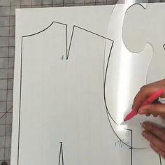 Sewing Ruffles, Dress Sewing Patterns, Sewing Patterns Free, Clothing Patterns, Bodice Pattern, Bra Pattern, Costura Fashion, Sewing Collars, Sewing Blouses
