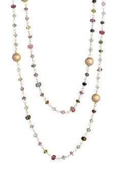 Bella l'idea di mischiare la catena rosario con le perle anche Swarovski se volete!