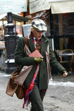 I am loving this hat....picked up one like this on the street in New York...
