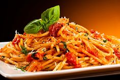 Looking for a great Spaghetti and Pesto Trapanese recipe? Popping-fresh cherry tomatoes enhance pasta with a pesto variation. Sauce Recipes, Pasta Recipes, Pasta Sauces, Organic Pasta, Italy Food, Pasta Dinners, Purifier, Specialty Foods, Italian Pasta