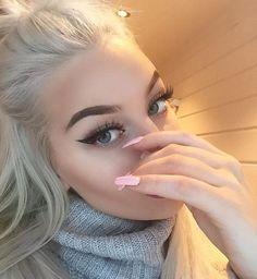 grafika girl, makeup, and nails