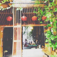 Cliche cofee - the vintage coffee shop in Saigon #coffee #coffeeshop #coffeetime #coffeebreak #coffeeholic #coffeeaddict #vintage #vintagecoffee #cafe #cafevintage #old #saigon #saigoneer #saigonese #vsco #vscocam #ghiencaphe