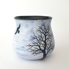 Bird on Blue with Winter Trees Handmade Mug by Katherine Heicksen aka Muddy Raven on Etsy Pottery Mugs, Pottery Ideas, Winter Drawings, Clay Mugs, Sgraffito, Winter Trees, Ceramic Vase, Alice In Wonderland, Raven