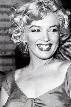 <3 Marilyn Monroe presenting her trademark smile. <3