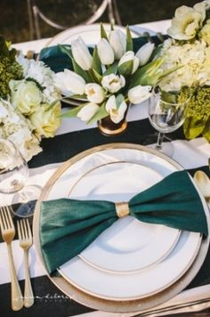 Bow-Shaped Napkins - Whether you're throwing a casual gathering or a black-tie affair, the bow napkin is a winner in our book. Green Wedding, Wedding Colors, Dresser La Table, Wedding Place Settings, 35th Anniversary, Reception Party, Wedding Decorations, Table Decorations, Deco Table