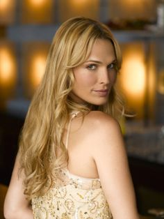 Molly Sims is an American actress who is best known for portraying Delinda Deline in the NBC series, Las Vegas. Las Vegas Tv Series, Nbc Series, Ema Watson, Molly Sims, Hottest Photos, American Actress, Picture Photo, Beauty Women, Actresses