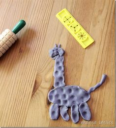 play dough giraffe - play dough fun build it on parchment paper so it can dry, fire and have fun ornament gifts