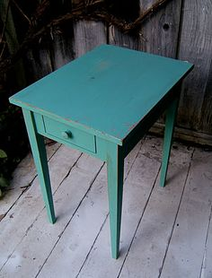 Awesome tutorial for refinishing with distressing!